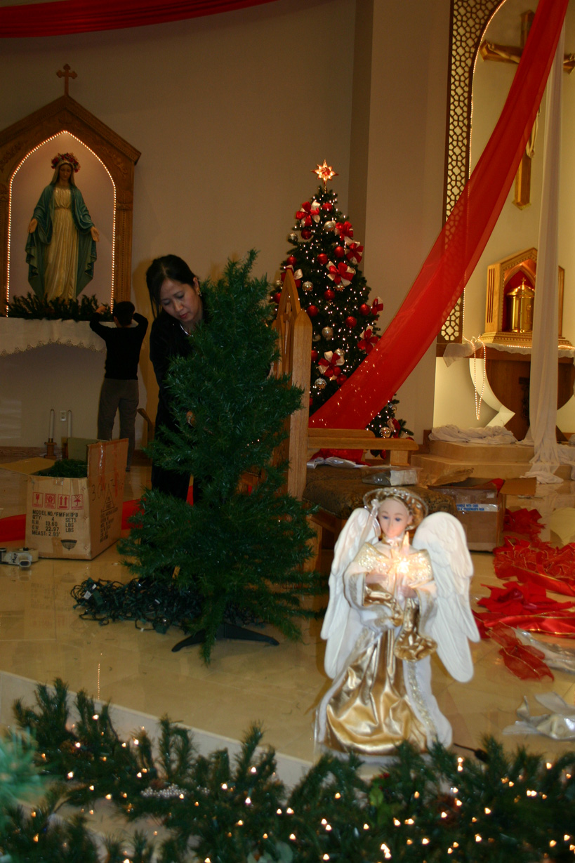 vietnamese catholics celebrate the holiday season with traditional lights and stars - Do Catholics Celebrate Christmas