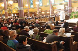 New Roman Missal changes go smoothly in diocese