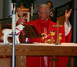 Fr. Bednarz celebrates his 40th priestly anniversary